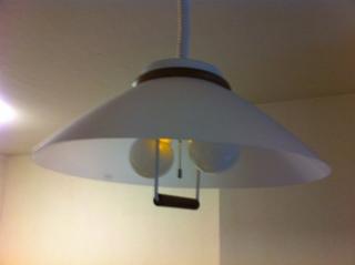 引っ張る照明3