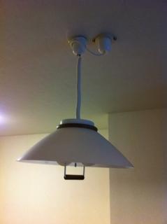 引っ張る照明2